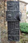 Un dels costats de l'escultura.