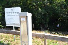 Parquímetre des d'on s'expedeixen els tiquets d'aparcament pels dos aparcament del parc natural.