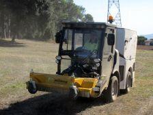 Amb aquest nou complement es pot accedir a les zones verdes per netejar-les d'herba de forma ràpida i neta.